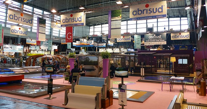 photos de stands piscines et spas la foire de paris 2015. Black Bedroom Furniture Sets. Home Design Ideas