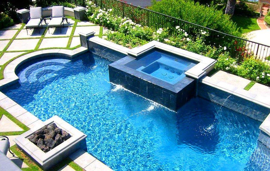 Les belles piscines ou piscines insolites du monde d avril for Mondial piscine